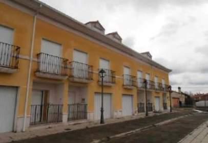 Edificio en  Escudero,  2