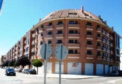 Garatge a calle de Miguel Delibes,  58-72