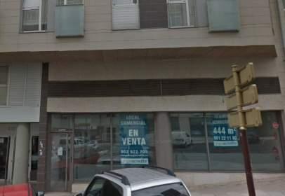 Local comercial en  Coruña,  401