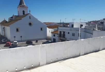 Casa en calle Pozo Nuevo, cerca de Calle de la Virgen del Rocío
