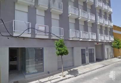 Commercial space in calle de Antonio Maura,  15