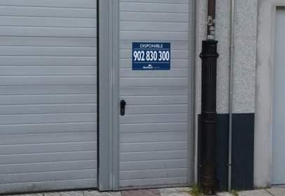 Garatge a calle de Paulino García Fernández,  6