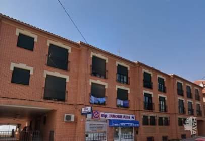 Piso en calle del Conde de Cedillo,  64